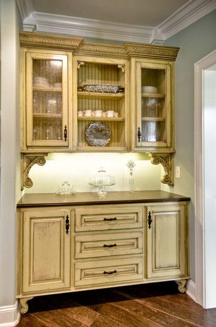 9 Fabulous Vintage Style Kitchen Cabinets