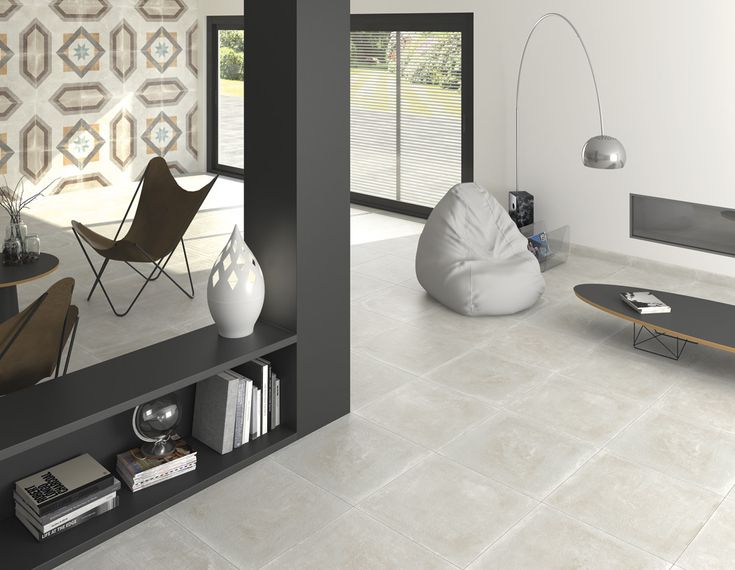 ARCANA Tiles | Tempo Bone 60x60 cm.  Celeno 60x60 cm. | rodapié Tempo Bone | interior design #architecture #tiles #procelaintile #floortiles #walltiles #cozy