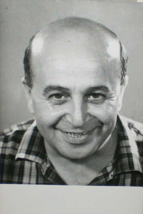 Vahi Öz (3 Kasım 1911 Istanbul - 12 Şubat 1969 Istanbul)