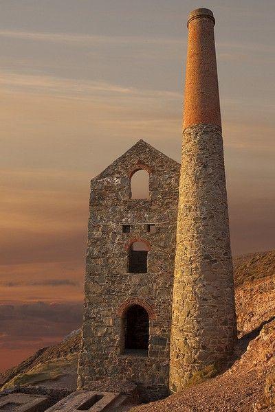 TOWANROATH ENGINE HOUSE: Wheal Coates tin mine, North Cornwall. ✫ღ⊰n