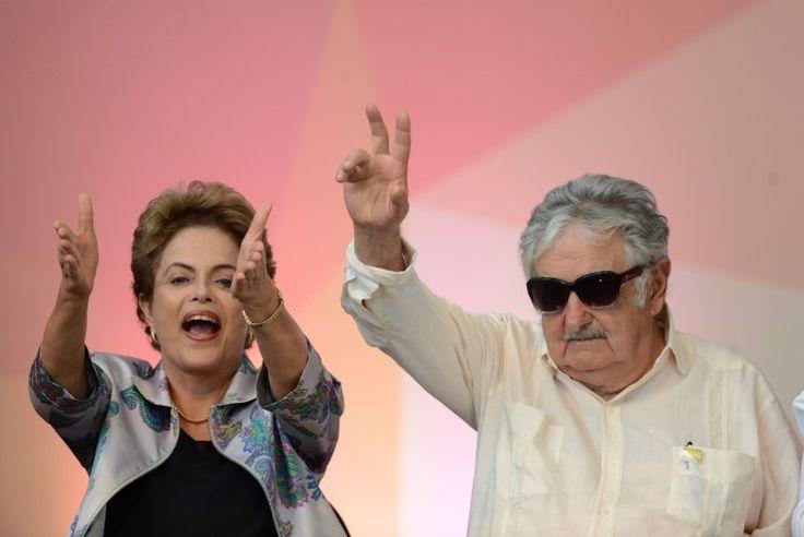 Brasília - A presidenta Dilma Rousseff e o ex-presidente e atual senador uruguaio, José Pepe Mujica, participam da 3ª Conferência Nacional de Juventude, no Estádio Nacional Mané Garrincha (Wilson Dias/Agência Brasil)