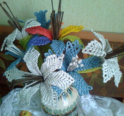 Цветы плетенные