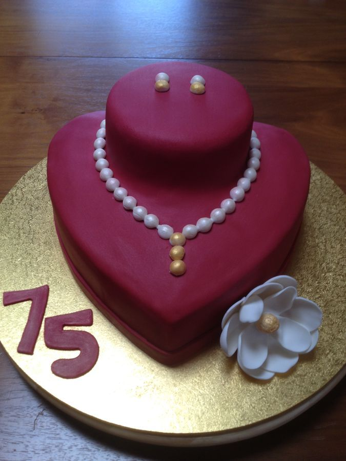 birthday+cake+with+pearls | pearl necklace earrings display cake 75th birthday cake for my ...
