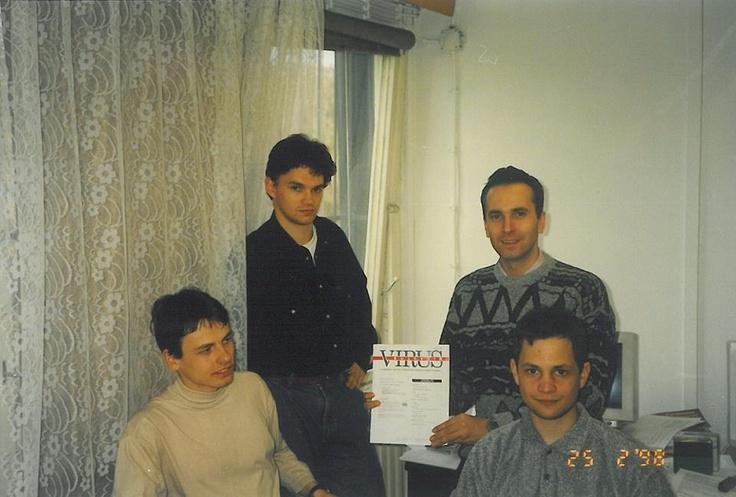 En 1998 ESET España - Ontinet.com - NOD32 Antivirus - ESET Smart Security ya en su versión 1.0 era reconocido por los medios especialistas como el mejor antivirus... Recuerda que WifiCanarias es Partner ESET, consúltenos ! :-)