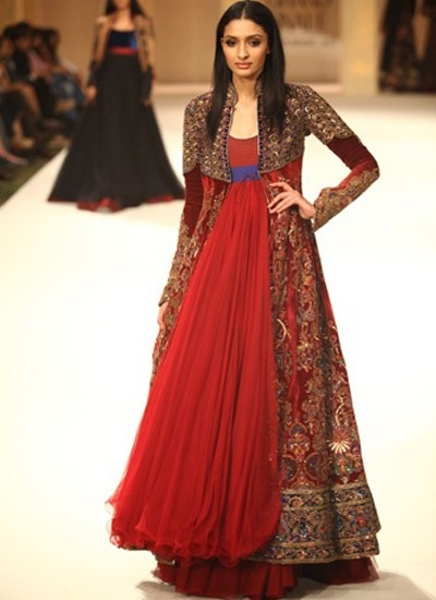 Explore The Princess Look With This Maroon Colored Floor Length Suit