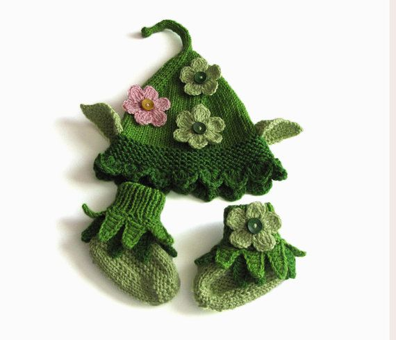 Elf hat and booties, knit baby green elf hat and booties ...