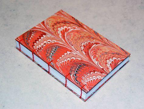 Libro de viajes, estilo copto y decorado con papel marmoleado