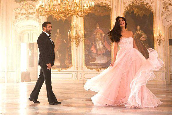 Tiger Zinda Hai song Dil Diyan Gallan still: Salman Khan and Katrina Kaif waltzing together is a sight to behold - view pic