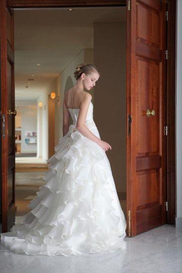 ウェディングドレス、婚礼衣装ならドレスギャラリースポーサ | 商品カテゴリー グランマニエ