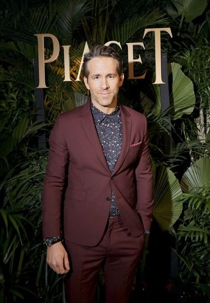 Maroon suit Ryan Reynolds