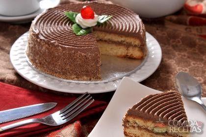 Receita de Bolo de café com chocolate e avelã em receitas de bolos, veja essa e outras receitas aqui!