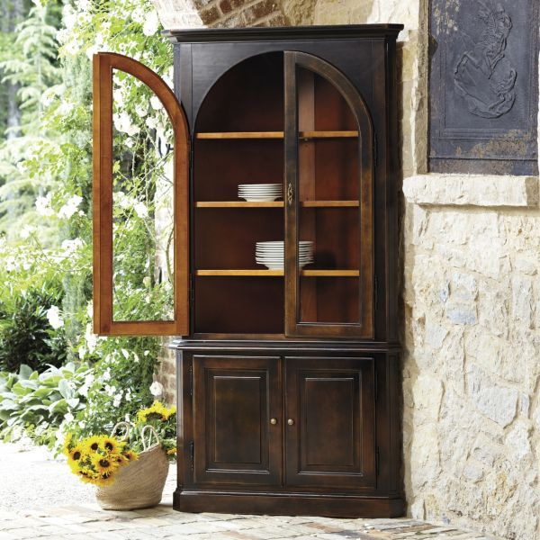 Corner Cabinet Dining Room Hutch: 1000+ Ideas About Corner China Cabinets On Pinterest