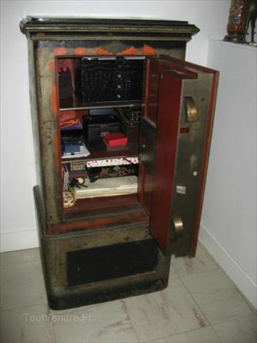 1000 images about safe boxes on pinterest antique safe forts and photos. Black Bedroom Furniture Sets. Home Design Ideas