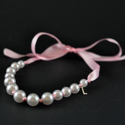 Halsband till små flickor