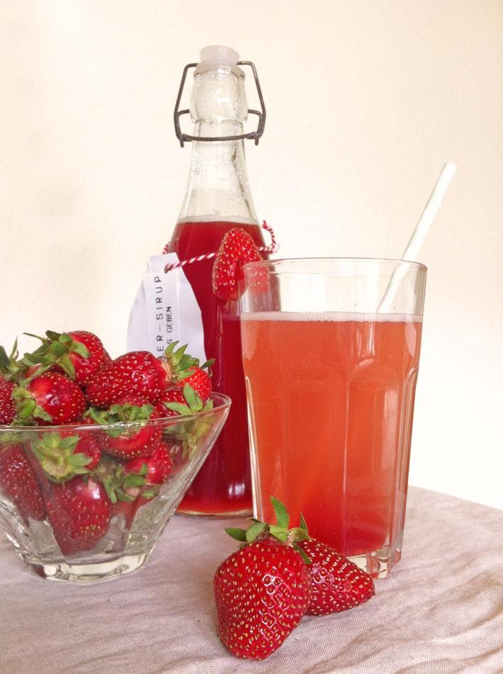Amalie loves Denmark: Strawberry-Rhubarb-Syrup
