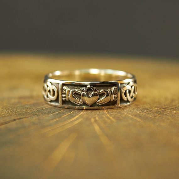 Green Amber Gold Claddagh Ring