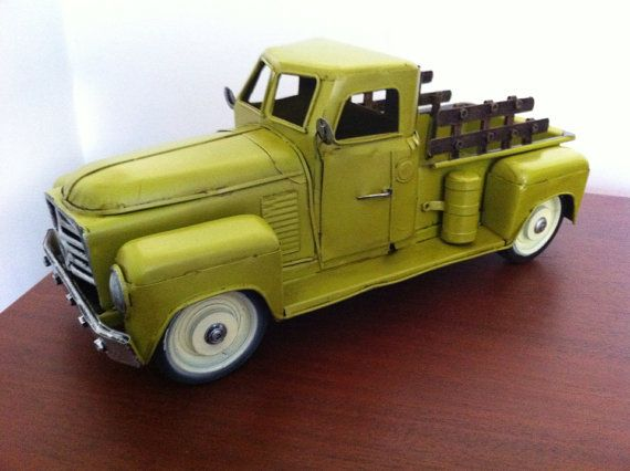 1950s Chevrolet Pickup Truck Tin Metal Car Toy di phantomas2011, $84.99