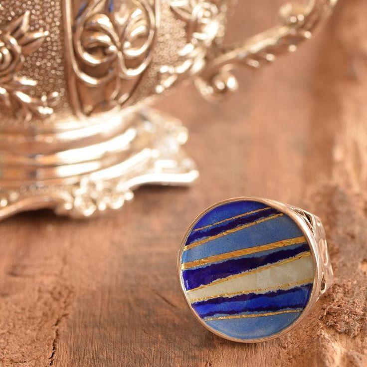 Do you like indigo color or do you prefer the sky blue?