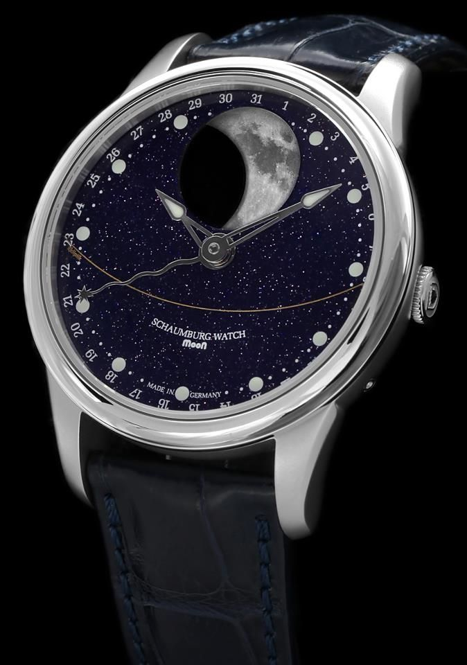 Schaumburg moon watch is one of the most accurate moon phases watch available in the market with the deviation of one day in 122.5 years and displays the lunar cycle of the northern as well as the southern hemisphere.