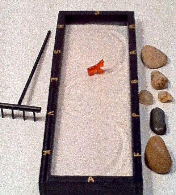 Mini dressage arena zen garden complete with carved stone horse rake hand engraved stone 3 - Dressage de table ...