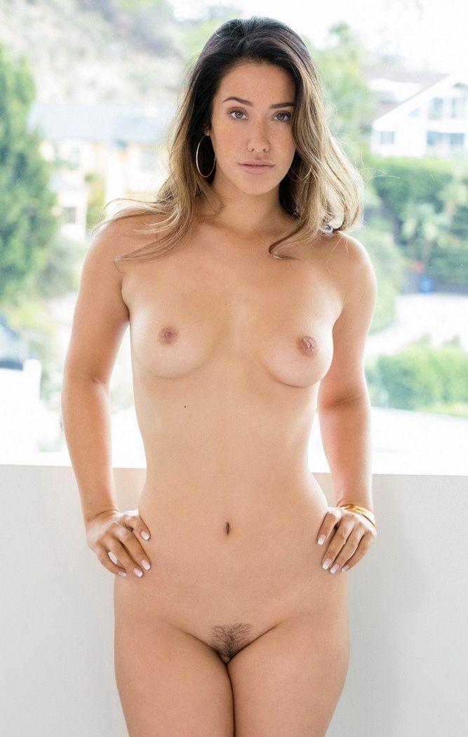 eva lovia nude