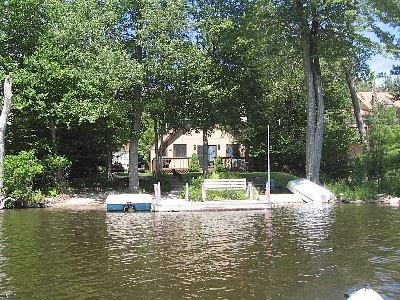 pocono private beach 4 boats pet frienly cheap Lakefront