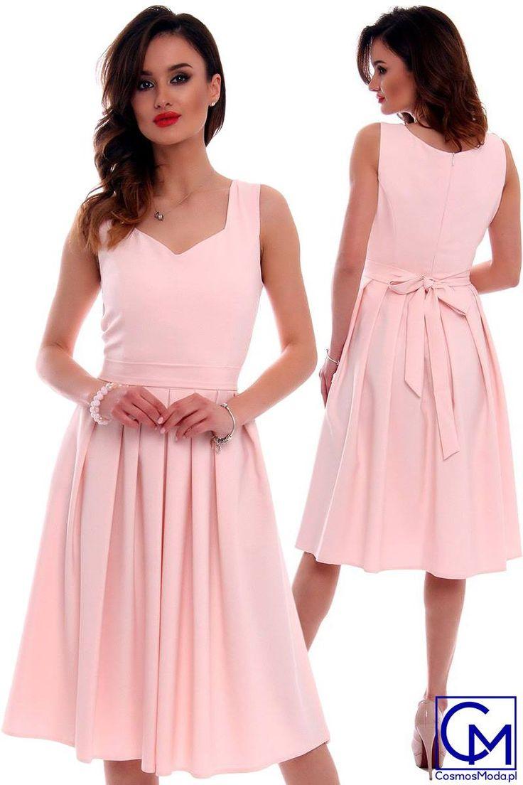 Sukienka idealna na niejedną imprezę... nie tylko weselną 😉😍💞 Link do produktu: http://bit.ly/SukienkaCMK516 Polub nas i zgarnij 10% RABATU ➡️ http://bit.ly/CM_RABAT Stylistka Sara <3