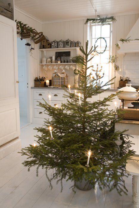 JUL PÅ VILLA HUVUDSTA: Ett julreportage i Hem & Antik om Maris julhem i villan anno 1919 - publicerat i 2008 julnummer - foto Mari Eriksson | Marie Delice