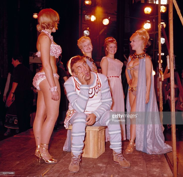 Frankie Howerd pictured on stage with Isla Blair (2nd from right) during rehearsals for the musical A Funny Thing Happened on the Way to the Forum. Strand Theatre, London. 1963.