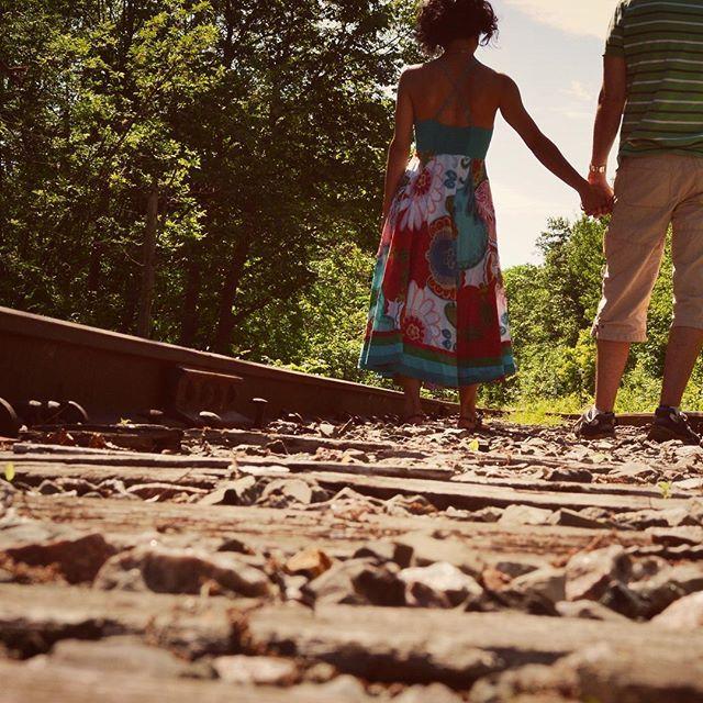 #romance sur les #ramedetrain  #romantique #amoureux  #maindanslamain @humourpartage.autreptitefolie #eloclemence