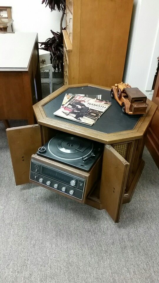 Cool retro end table with secret compartment that houses a turntable and  stereo. Quality Used Furniture Warehouse