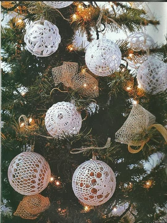 fiocchi di neve all'uncinetto e campane