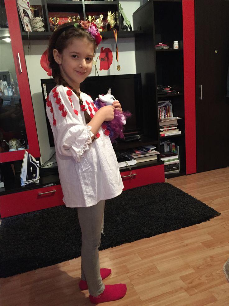 #romanian #pride #1ofdecember #love #flowers #ootd #girls #kids #fashion #sarah #sarahfashionablekids