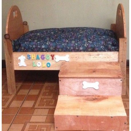 Camas personalizadas. Diseño de la tela a su gusto. #camasparamascotas #madera #EnPuntocr