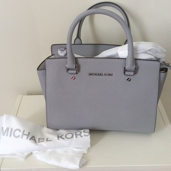 Mischael Kors Selma medium dove Gorgeous selma medium. NWT MICHAEL Michael Kors Bags Satchels
