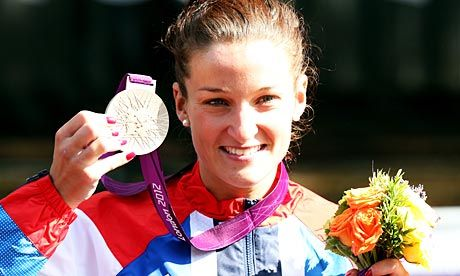 Lizzie Armitstead wins 1st gb medal of London 2012 -day 2