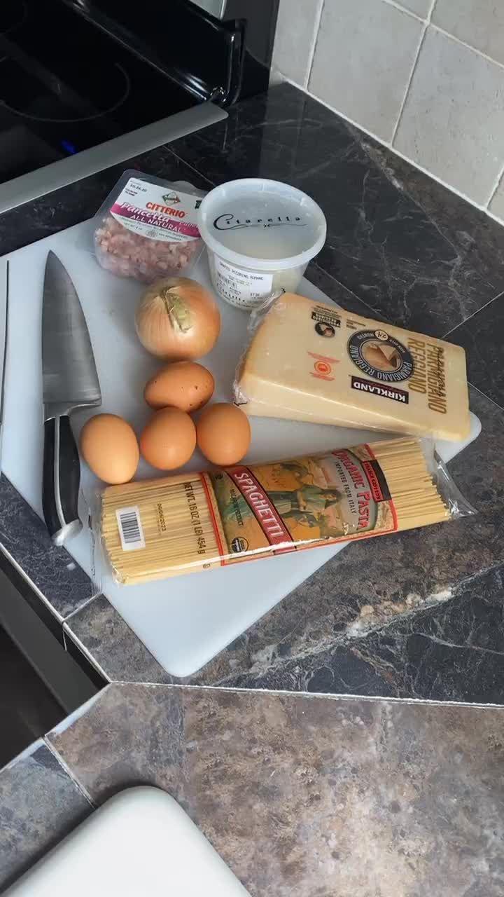 Simplyy Italian Simplyy Italian On Tiktok Simple Carbonara Recipe Fyp Foryoupage Simplerecipes Italian Easy Italiancooking Giallozaffe Makanan Italia