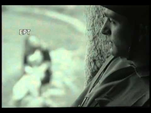 "Video clip (1968) ""Βάζει ο Ντούτσε τη στολή του"" (1940) - YouTube"