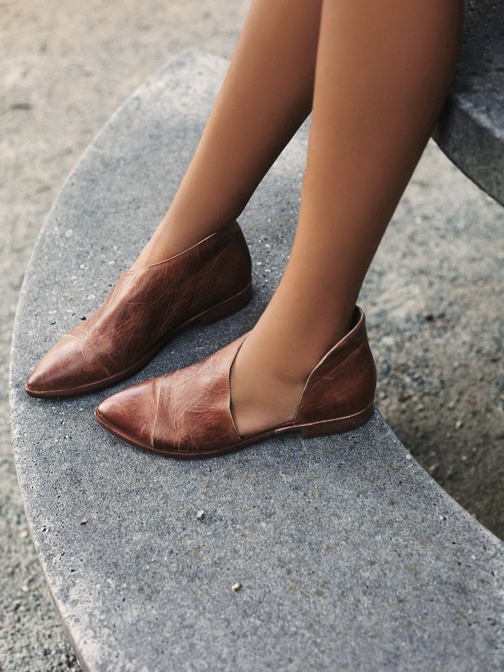 Royale Flat | Closed toe version of FP fave Mont Blanc Sandal, these leather flats are made with the finest Spanish craftsmanship. Leather flats feature side cutouts and a slight stacked heel.