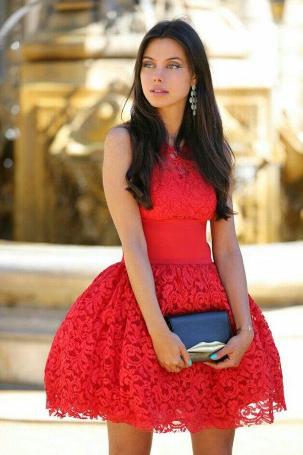 Une tenue rouge pour sortir