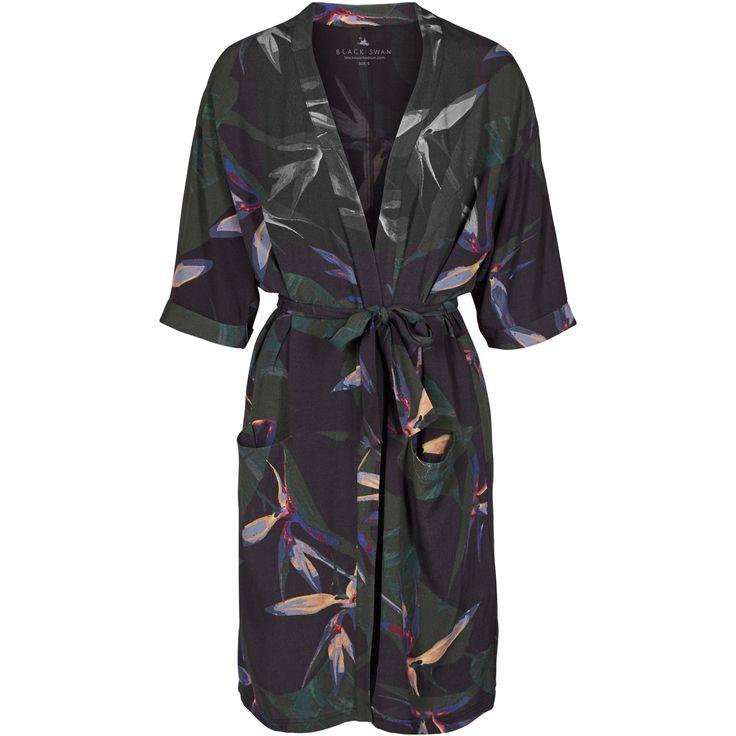 Julia kimono Cool kimono with paradise flower print. Black Swan Fashion SS17