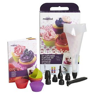 Mastrad 100% Silicone set includes: 8 silicone baking cups, 1 pastry bag set, 6 pastry tips & recipe book
