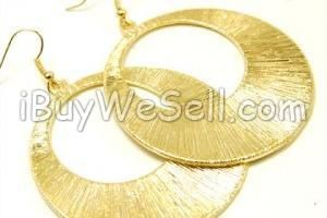 DISC ÖRHÄNGE 50 mm breda och jättesnygga!  Finns i flera färger.  To check the price click on the picture. For more #fashion products visit http://www.ibuywesell.com/en_SE/category/Women/609/ #fashion #ladies #female #jewelry #earrings #women