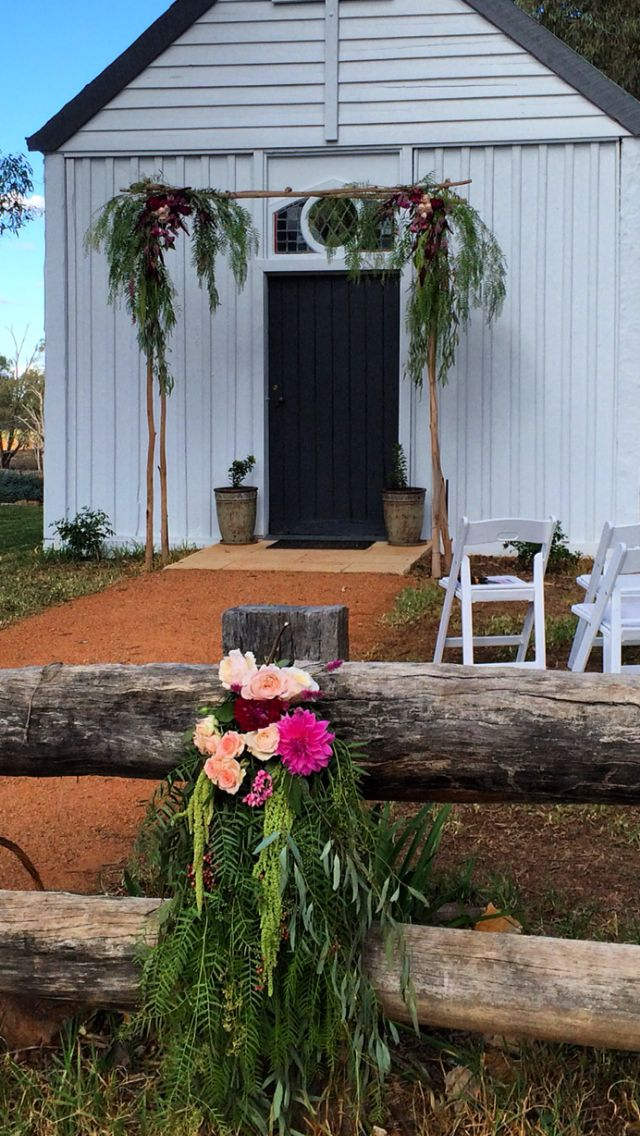 Sarah + Scott's wedding, Dundullimal Dubbo, April 2015, mink + me Handmade floral arch and floral fence detail