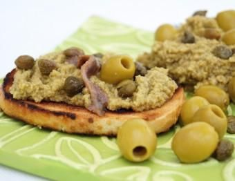Crostini with olive paste