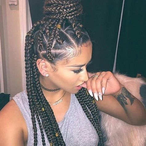 I don't know why I haven't tried triangle box braids yet?? #_boxbraids