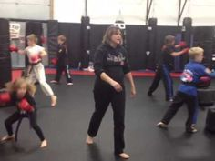 Kids Kickboxing - Bag workout - Class.