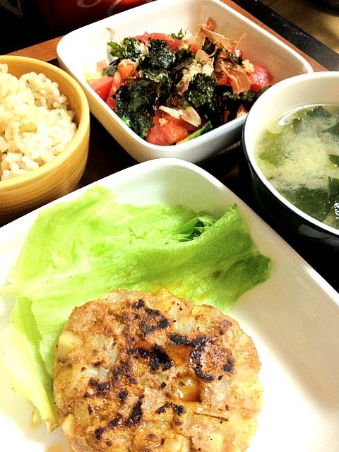 ヘロヨン食堂レシピ☆ちゃんとイカの味がして感動。アボカドサラダは定番。美味し〜(*^o^*) - 2件のもぐもぐ - ベジ・もんごうもどき、アボカドサラダ by miari181
