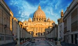 With Rome Sightseeing Tours, you can discover the most famous attractions of Rome and see the glory of Ancient Rome preserved through iconic sites like the Colosseum, Roman Forum, Palatine Hill and Pantheon. Flip a coin at the Trevi's Fountain and visit the Vatican City.