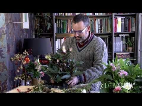 Kerstcreatie voor op de tuintafel met een Kerstroos - Green your day